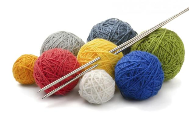 yarn-and-knitting-needles_1